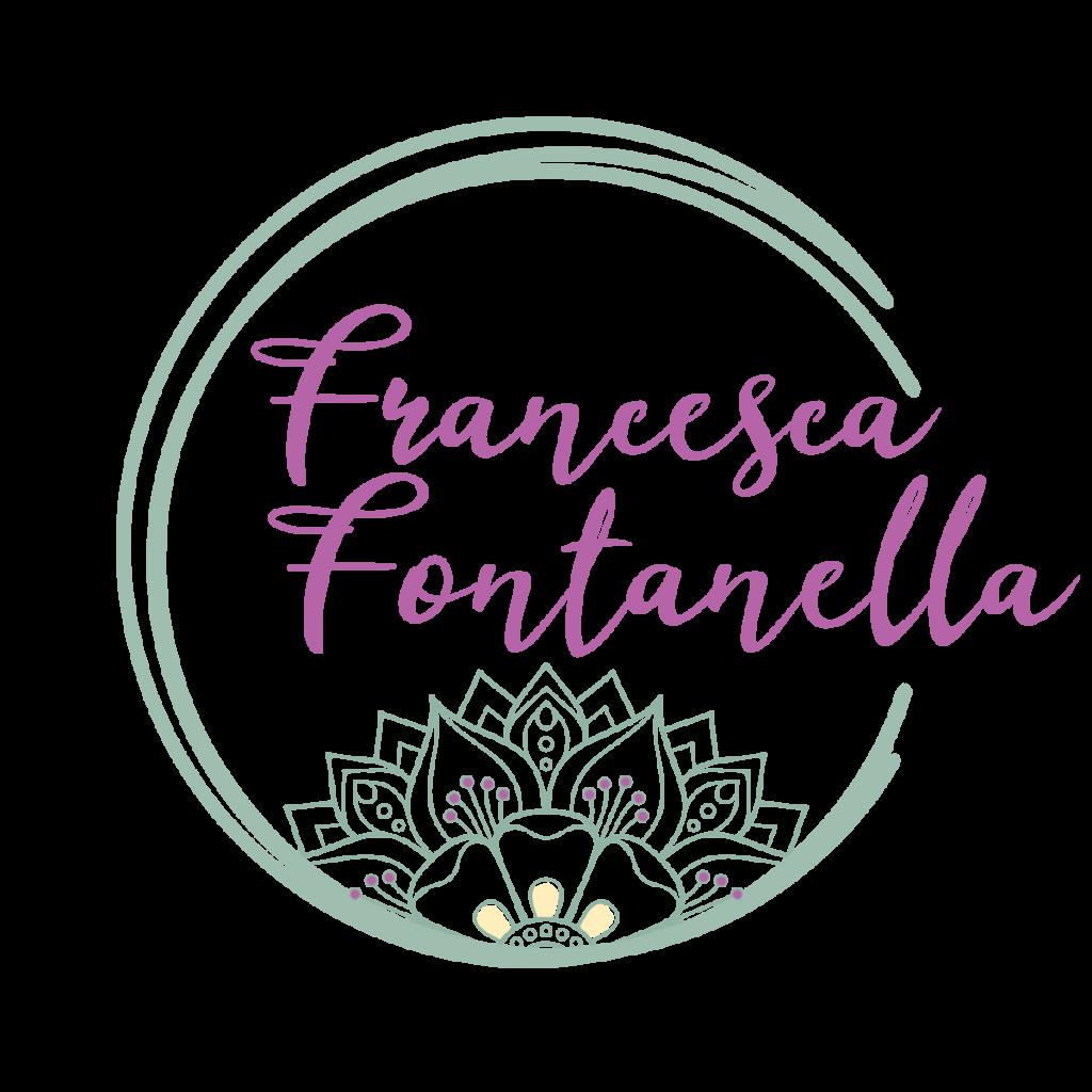 Logo tondo a tratto irregolare, come fosse fatto a mano, che contiene la scritta Francesca Fontanella e uno spicchio di mandala in stile floreale.